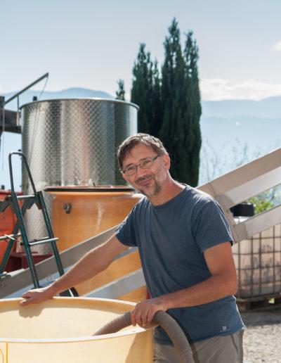 Raphael Saint-Germain, vigneron bio, domaine Saint-Germain, vin biologique en Savoie, Saint-Pierre d'Albigny